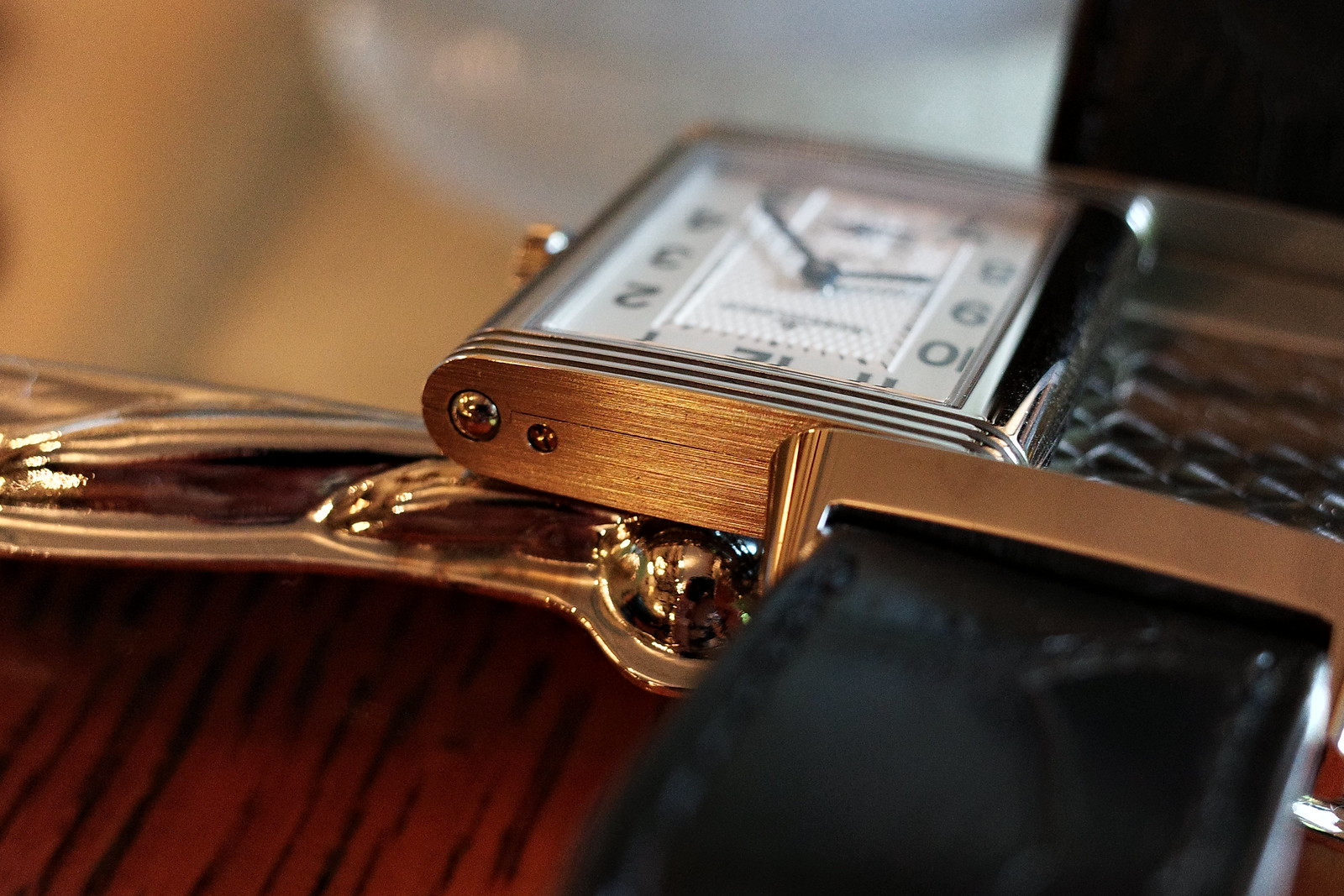 Jaeger LeCoultre Reverso Classic Midium Small Second 7