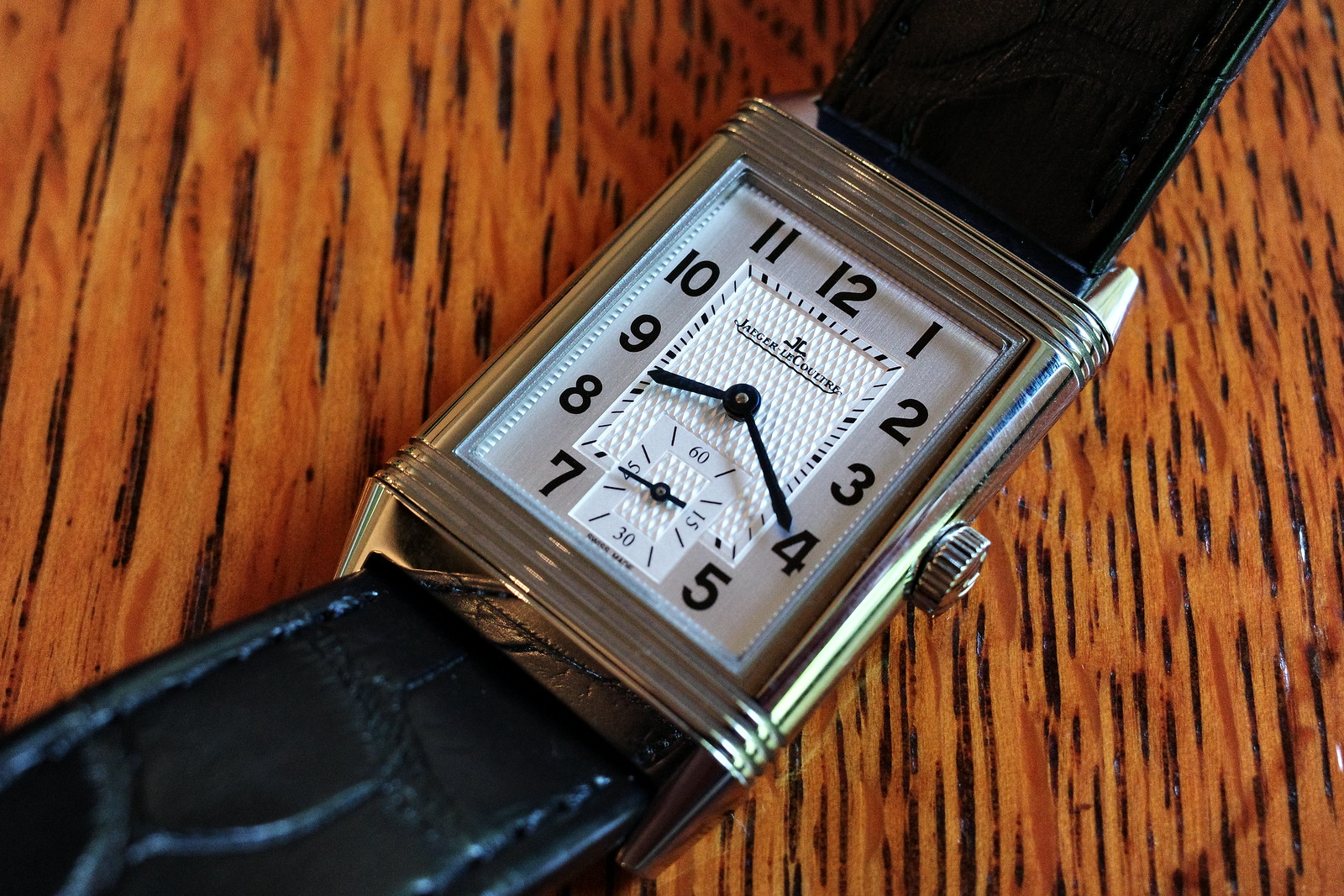 Jaeger LeCoultre Reverso Classic Midium Small Second 1