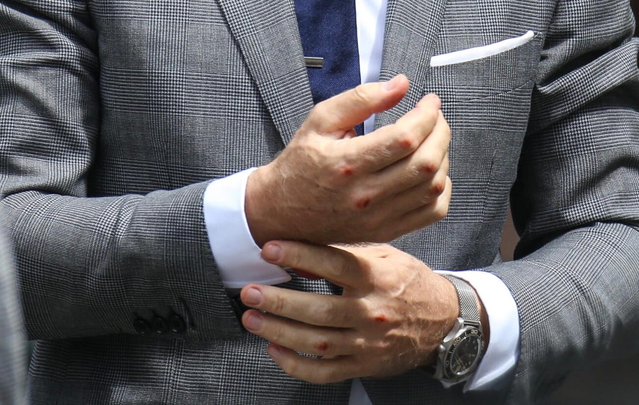 Daniel-Craig-Wrist-Shot